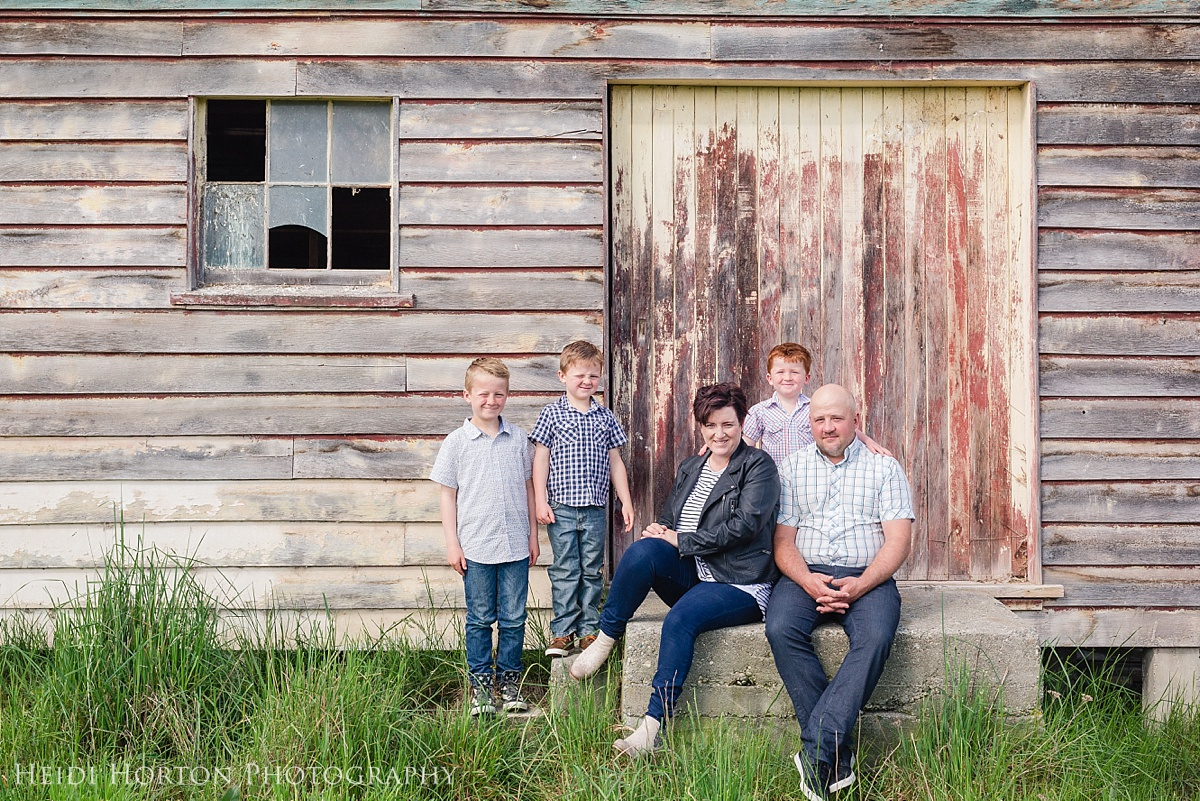 family photographer Southland, Southland portrait photographer, Gore portrait photographer, lifestyle family photos Gore, Mandeville Gore, family photos on the farm, professional portrait photographer, Heidi Horton Photography